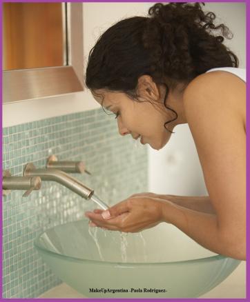 5-la-limpieza-diaria-del-rostro-es-fundamental-la-limpieza-al-levantarse-remueve-oleosidad-y-te-ayuda-a-despertarte